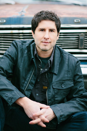 Matt de la Pena author photo